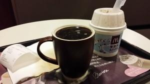 McCafeでコーヒー頼んだら表面張力
