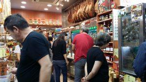 上海新三陽南貨の店内