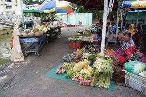 Tamu Kianggeh (キアンゲン市場)